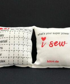 Nadelkissen mit praktischer Aufteilung für Ihre Nähmaschinen-Nadeln.JPG
